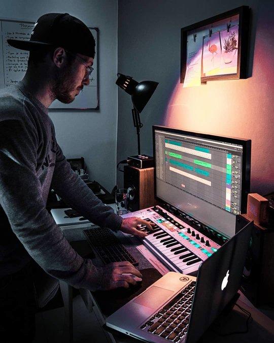 Nico Astegiano - Producer/YouTuber